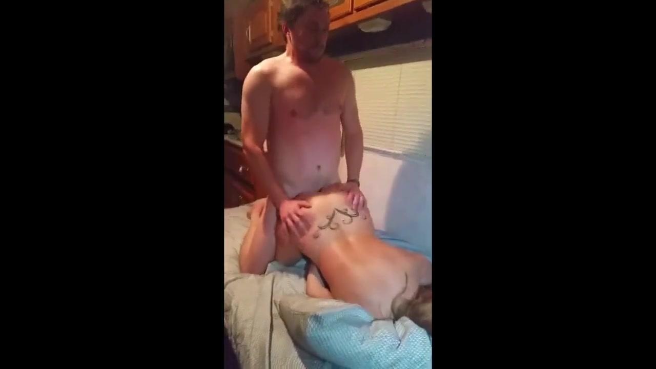 Amateur naked girls hand job