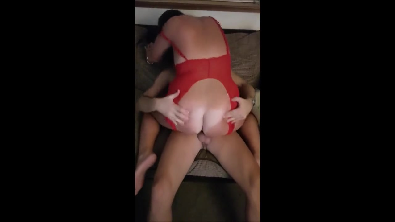 Amateur Chubby Wife Threesome